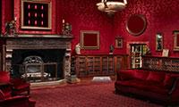 Evasion de la maison de luxe rouge