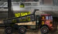 Camion de chantier qui transporte